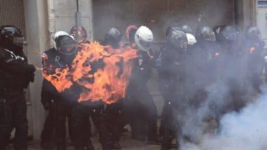 """Manifestations en France: """"les casseurs cassent la République"""" (ministre)"""