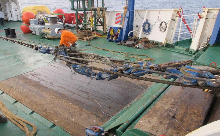 2 Arrivee sur site et preparatifs pour relevage du cable a bord du navire1