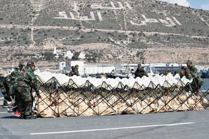 decontamination au port militaire dAgadir 696x464 1
